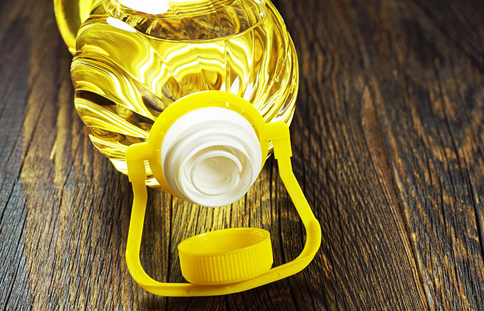 Does Vegetable Oil Kill Lice - Image By stylecraze