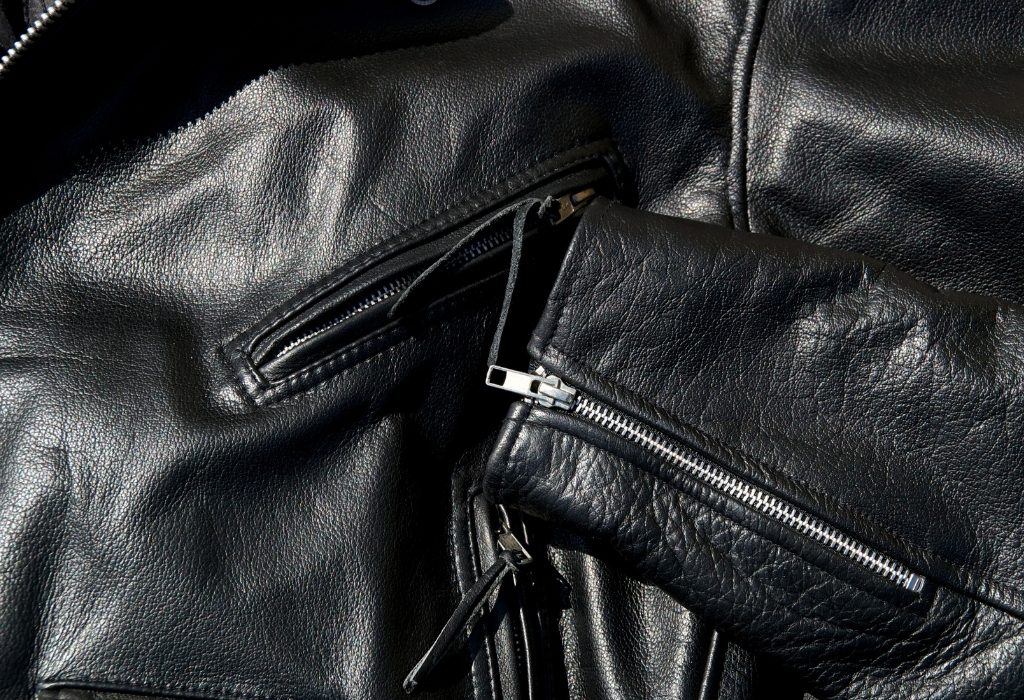 Can Bed Bugs Infest A Leather Jacket - Image By pestsamurai